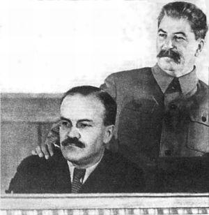 Stalin y el Partido Comunista Ruso hoy, por G.A.Ziuganov Stalin_mol
